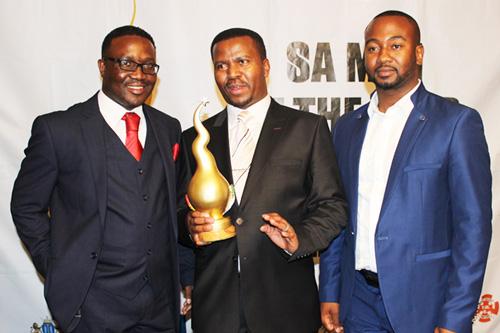 Bishop-ND-Nhlapo-SA-Man-of-the-year-2015-Winner-2