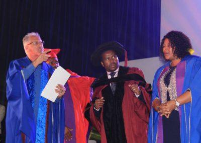 god nevers fails 2017 graduation (13)