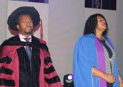 god nevers fails 2017 graduation (4)