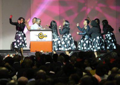 god nevers fails worship team (1)