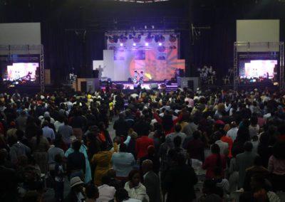 god nevers fails worship team (4)